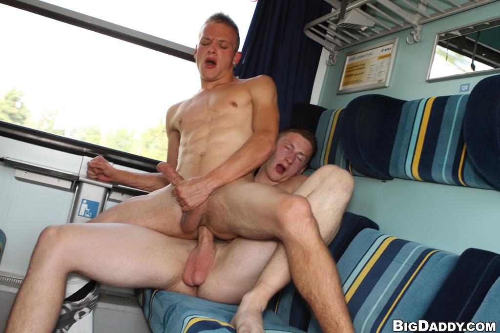 секс гей рассказы в поезде
